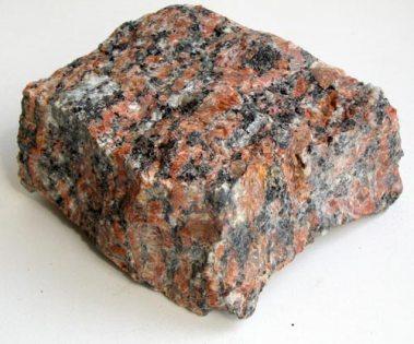 Плотность гранита – один из главных параметров материала