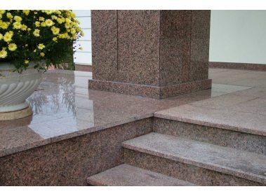 Сходинки для сходів з каменю - Сходи з граніту